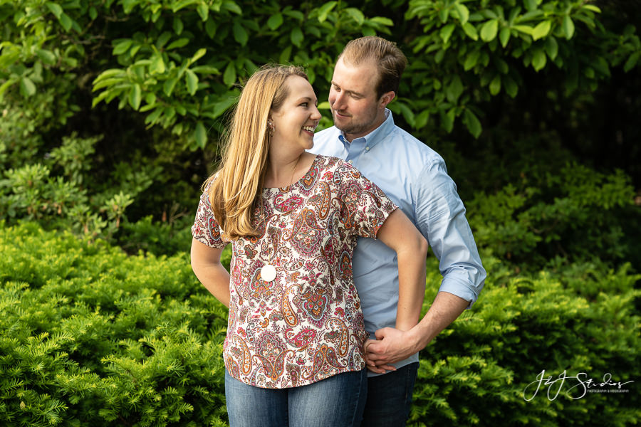 Couples poses engagement shoot Philadelphia engagement photographer
