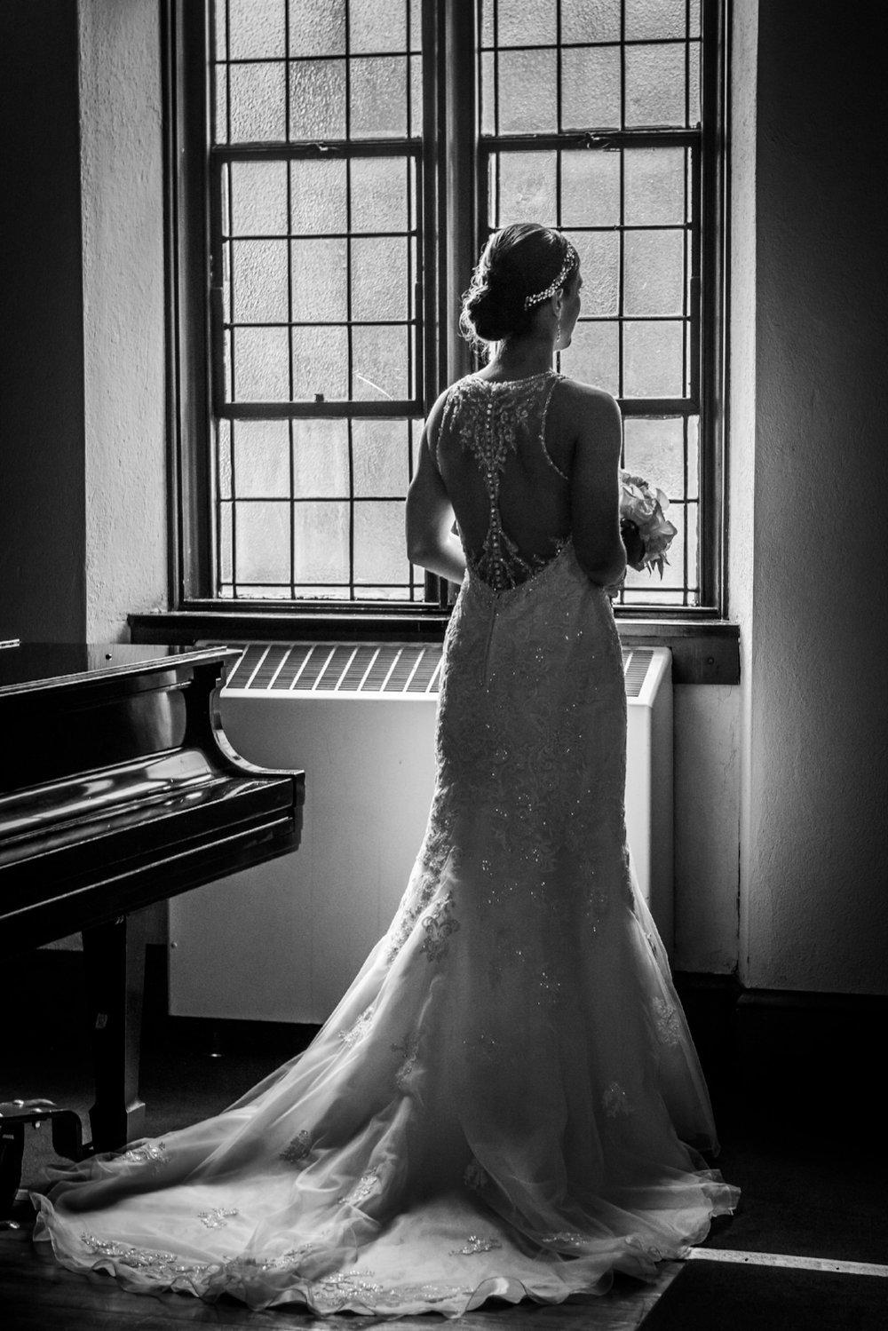 liberty-house-weddings-bride-silohuette
