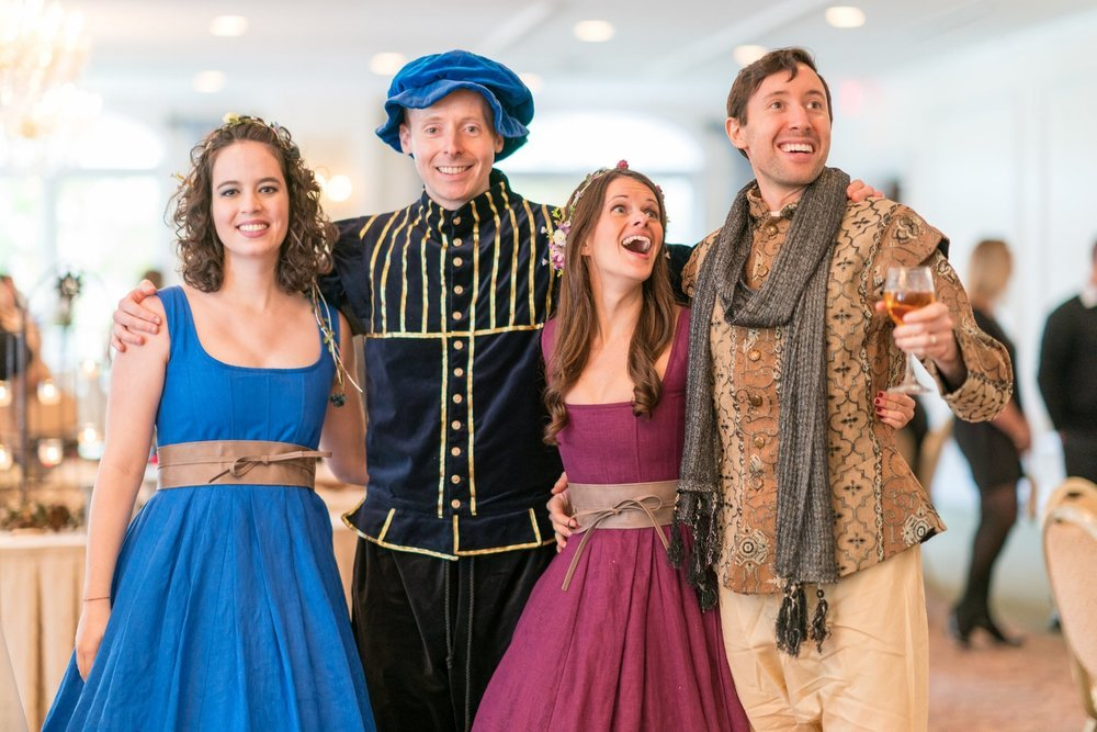 renaissance-costumes-for-a-wedding