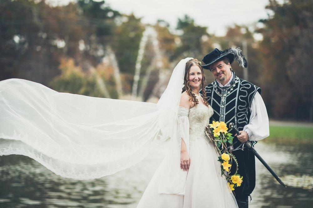 renaissance-themed-bride-groom-portraits