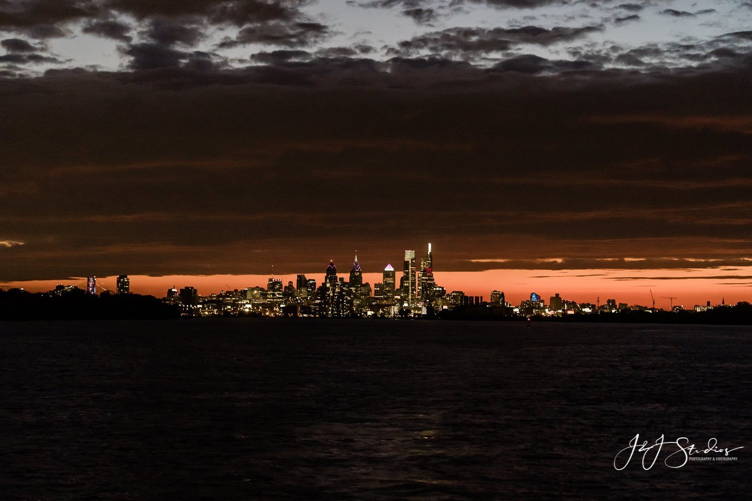 city of philadelphia from delaware river at night