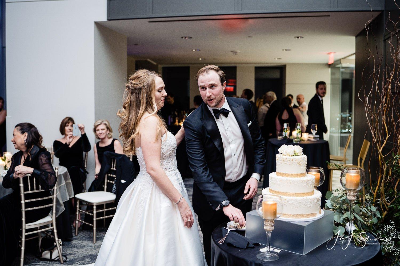 cake cutting vue on 50