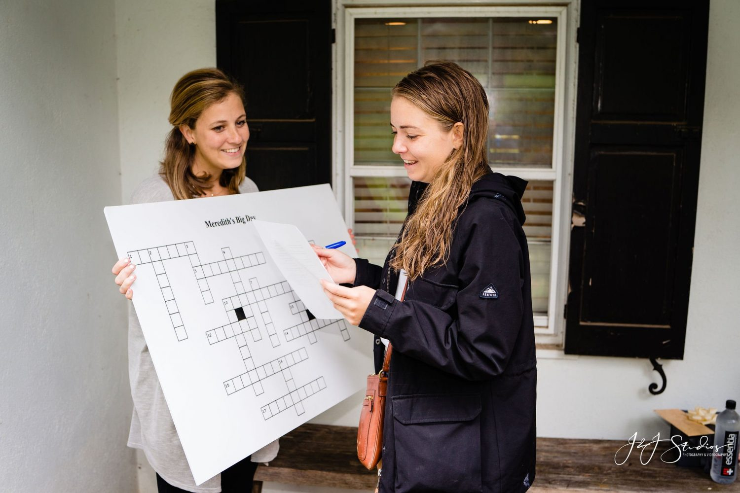 girl reading clue proposal