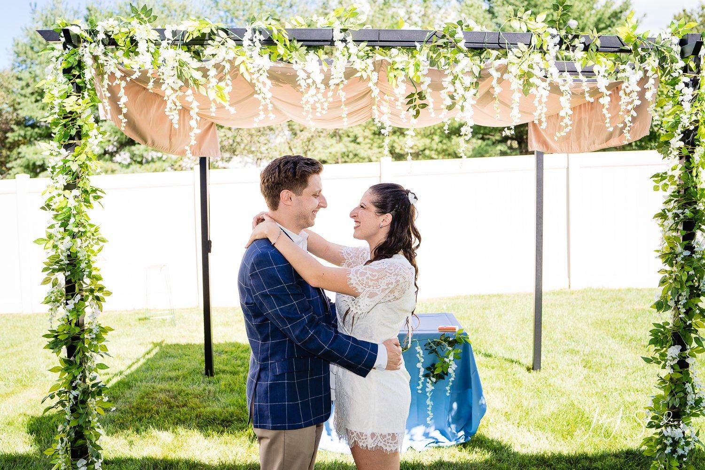voorhees township backyard couples wedding portraits