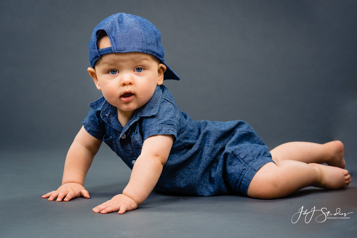 8 month baby photoshoot