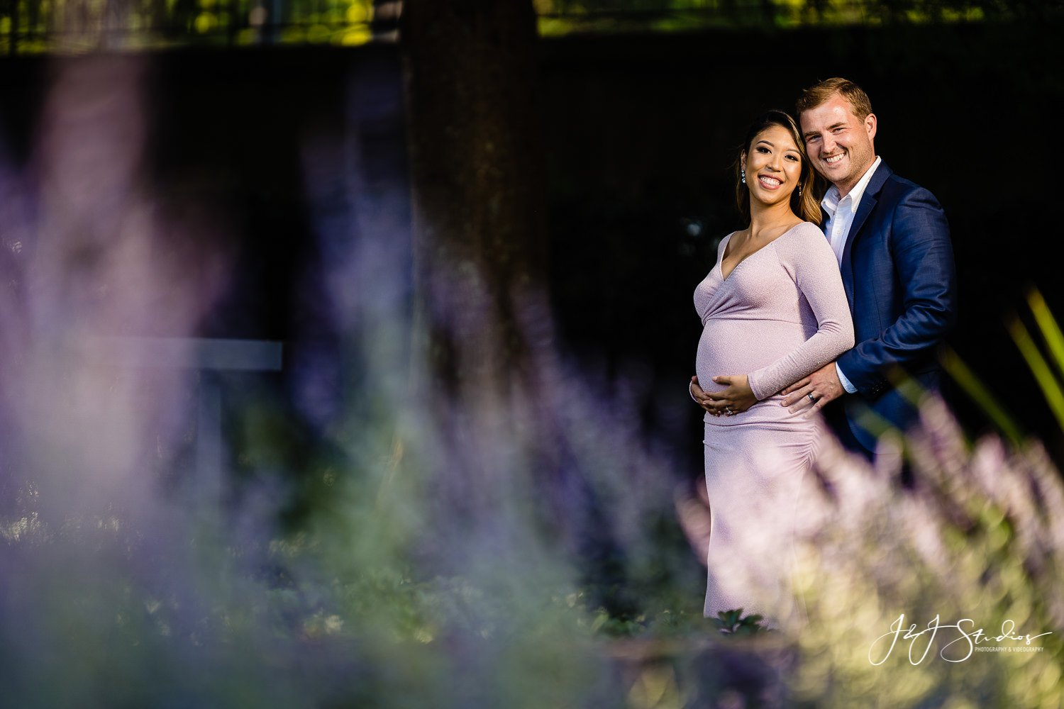 longwood gardens maternity session