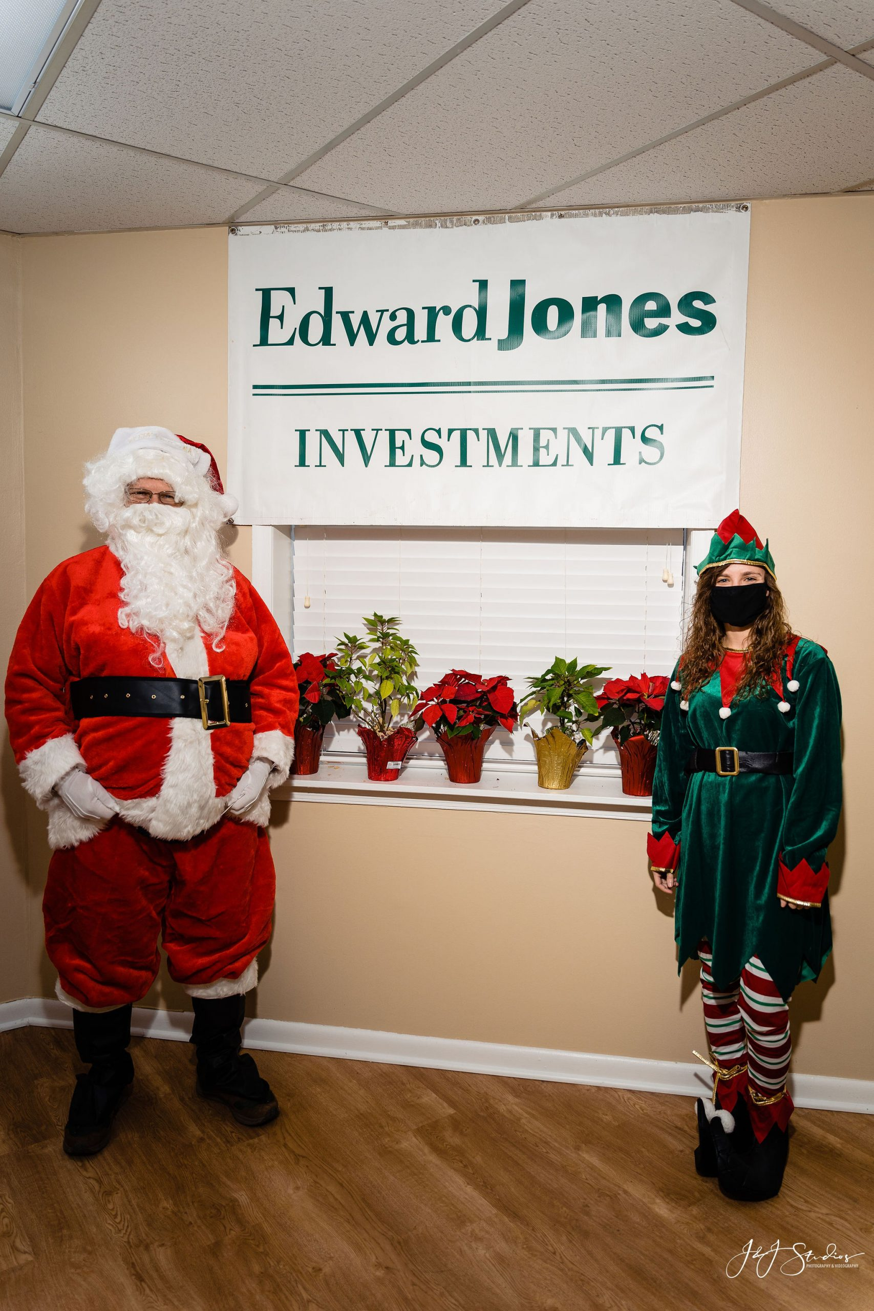 Santa in the office Philadelphia Corporate holiday portraits