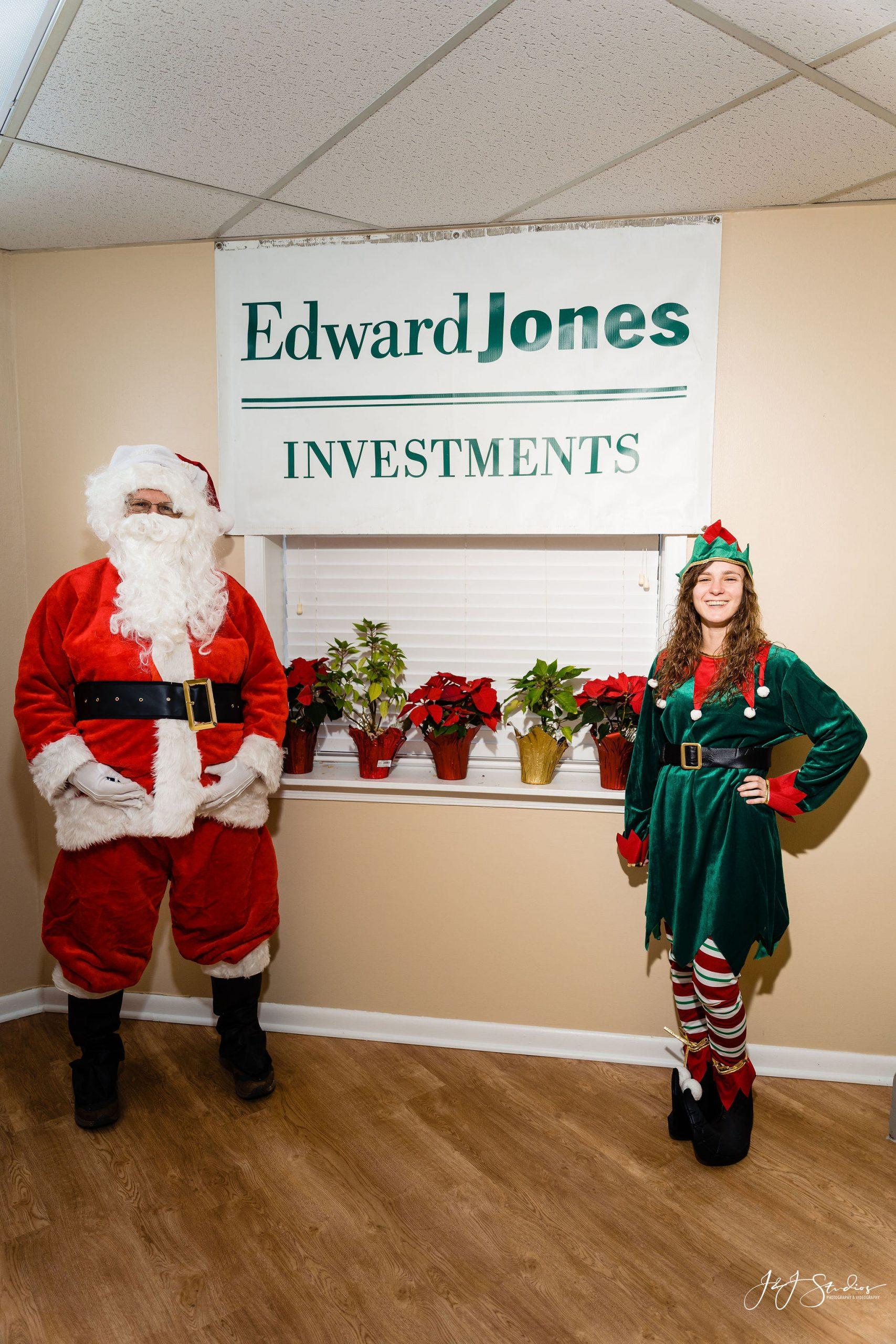 Merry christmas Philadelphia Corporate holiday portraits