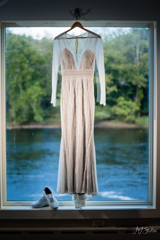 wedding dress wedding photography timeline guidelines