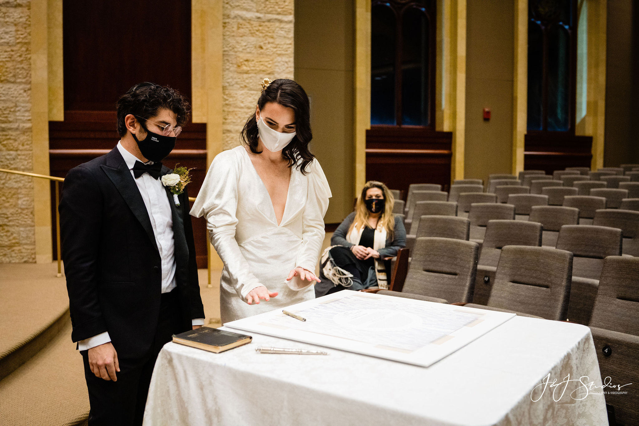 Signing Jewish legal marriage documents