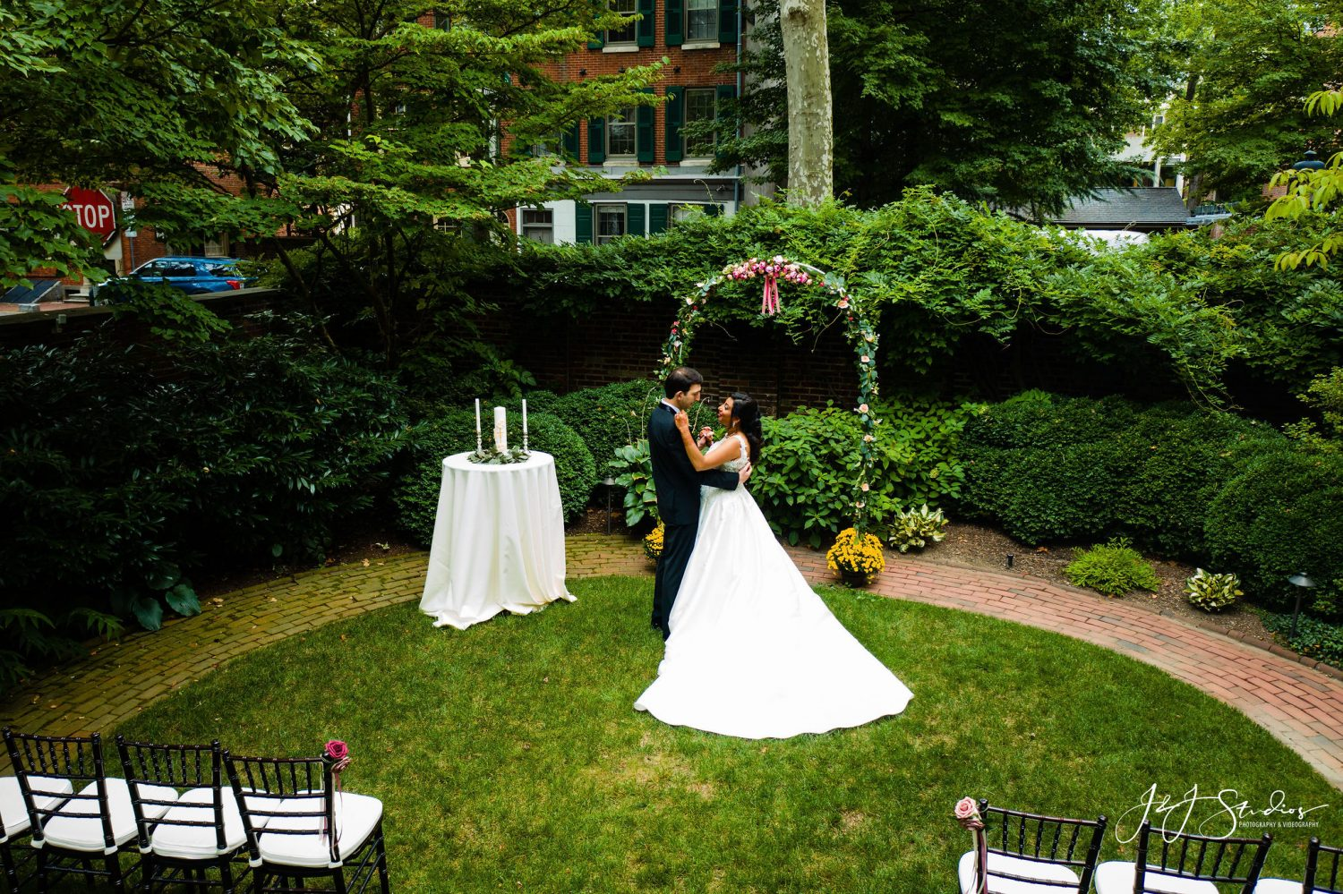Bride and Groom Hill Physick House PA Wedding Venues