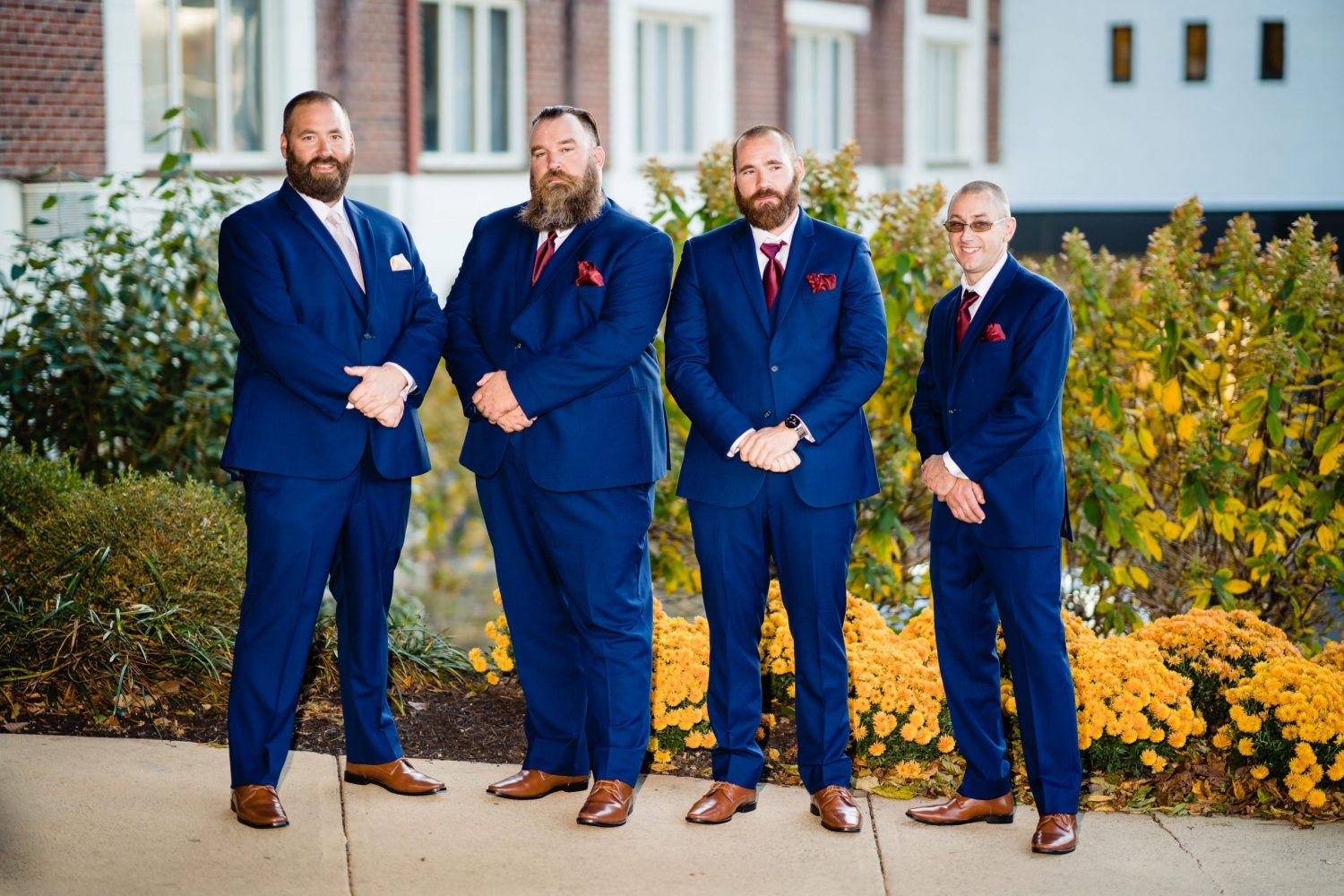 Grooms must have wedding photos