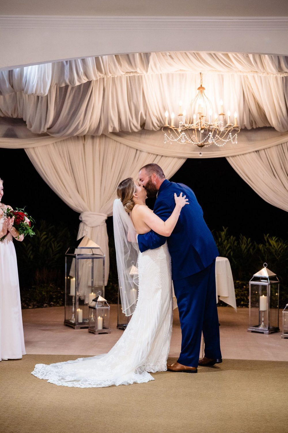 Epic kiss must have wedding photos