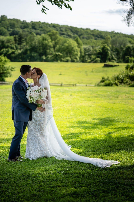 Radnor Hunt Bride and Groom