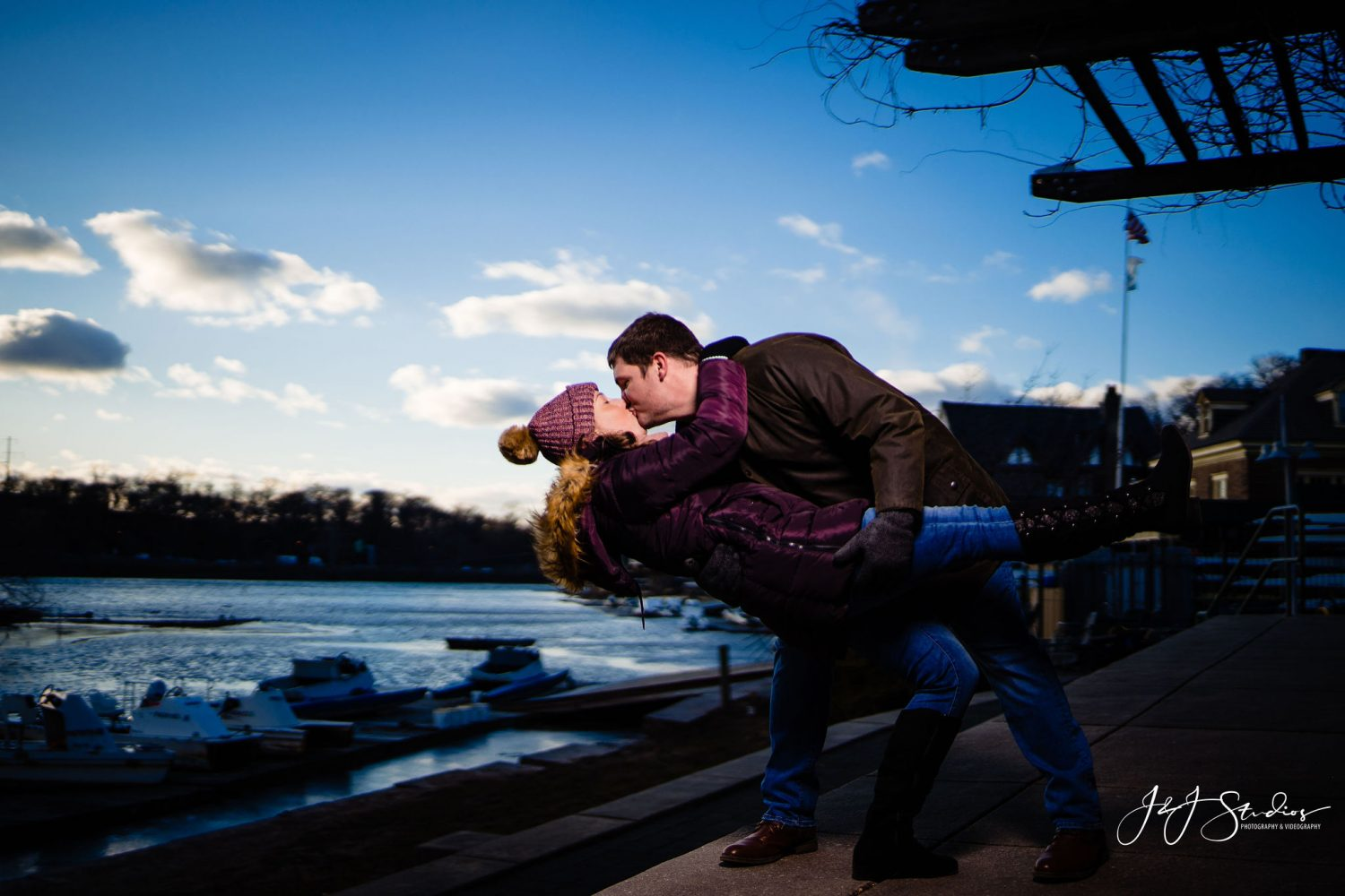 Kissing over the river