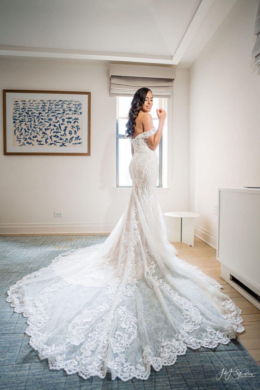 Bride portrait must have wedding photos