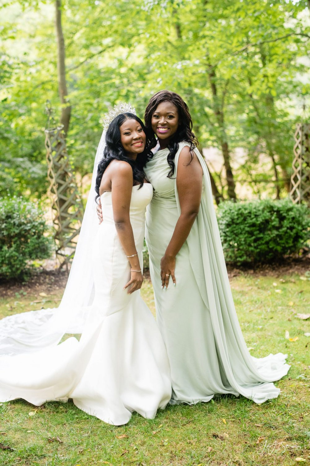 Mom and daughter must have wedding photos