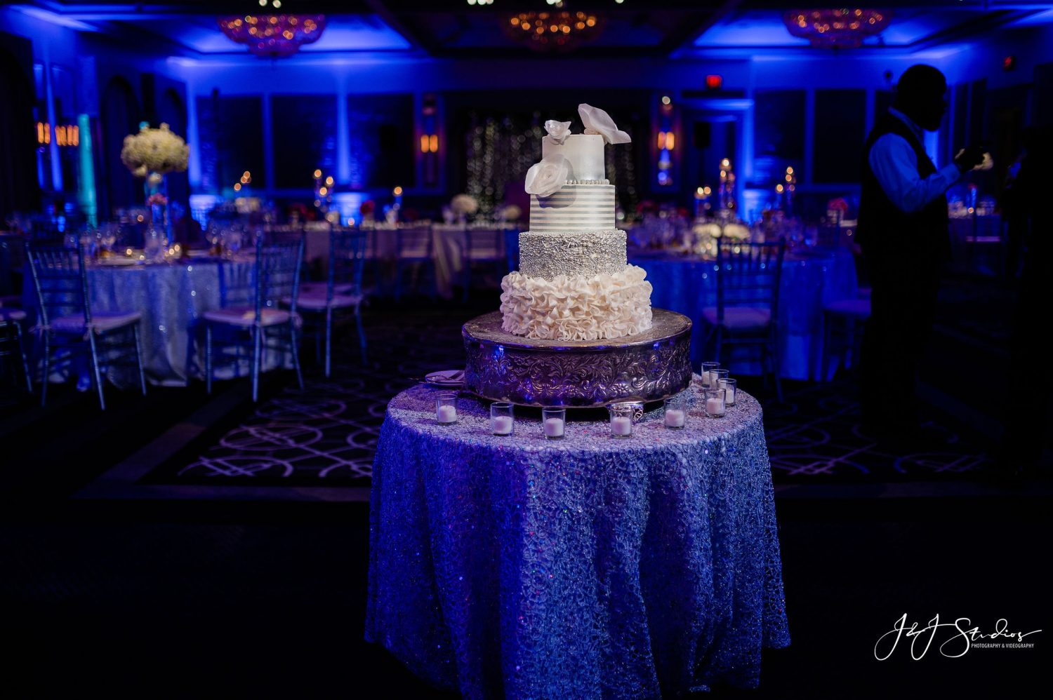 CAKE IN RECEPTION HALL