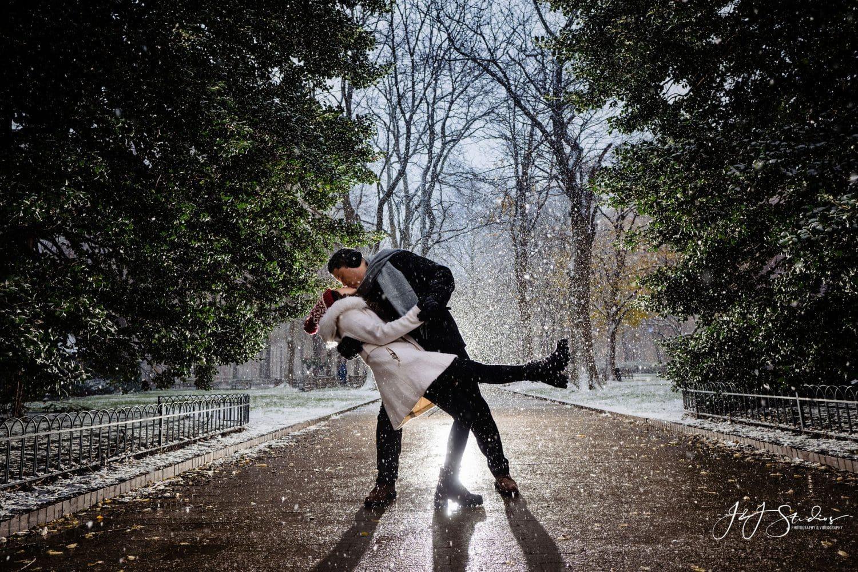 snow dip kiss
