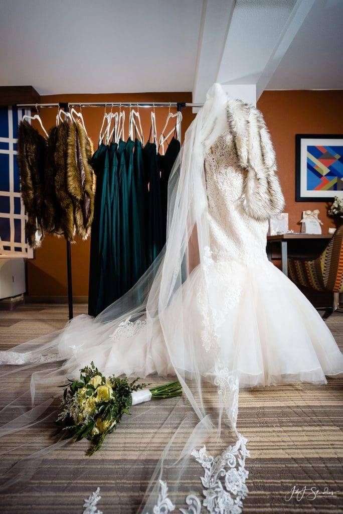 bridal fur wedding winter