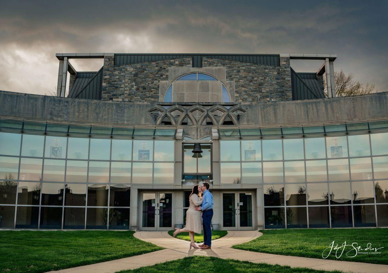 Saint Joseph's University photo shoot couple