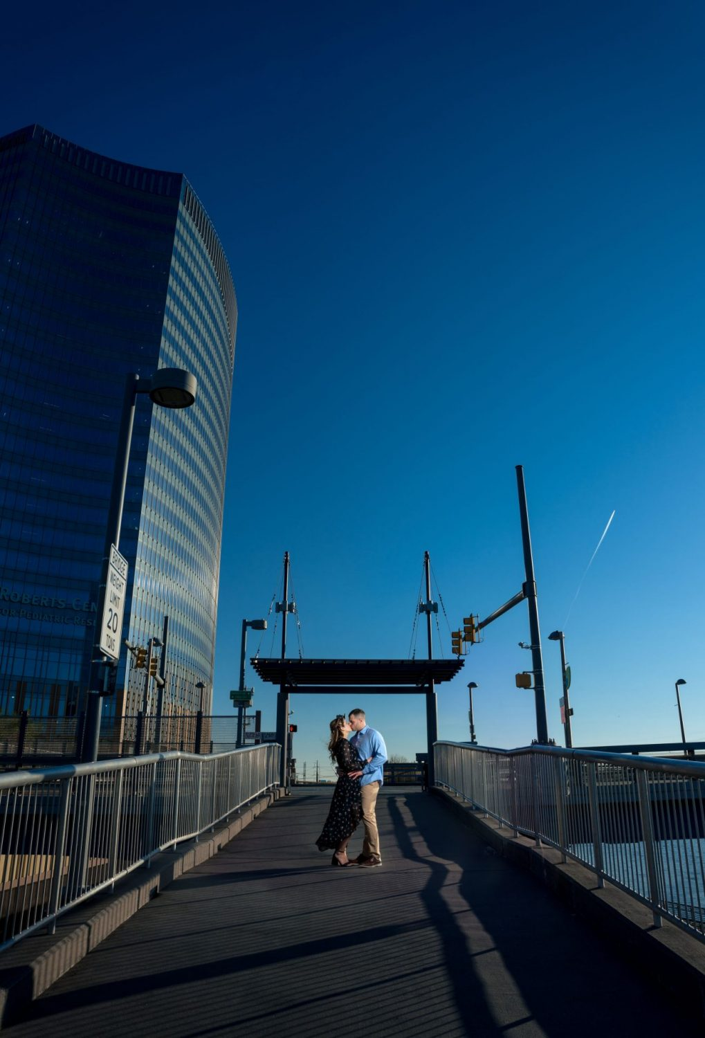 Couple in love Philly engagement session