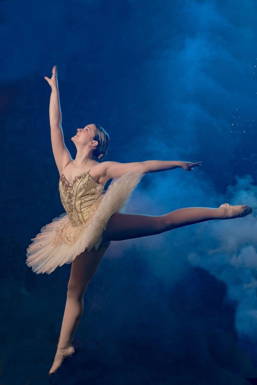 Philadelphia Dance Photographer photographs Abby