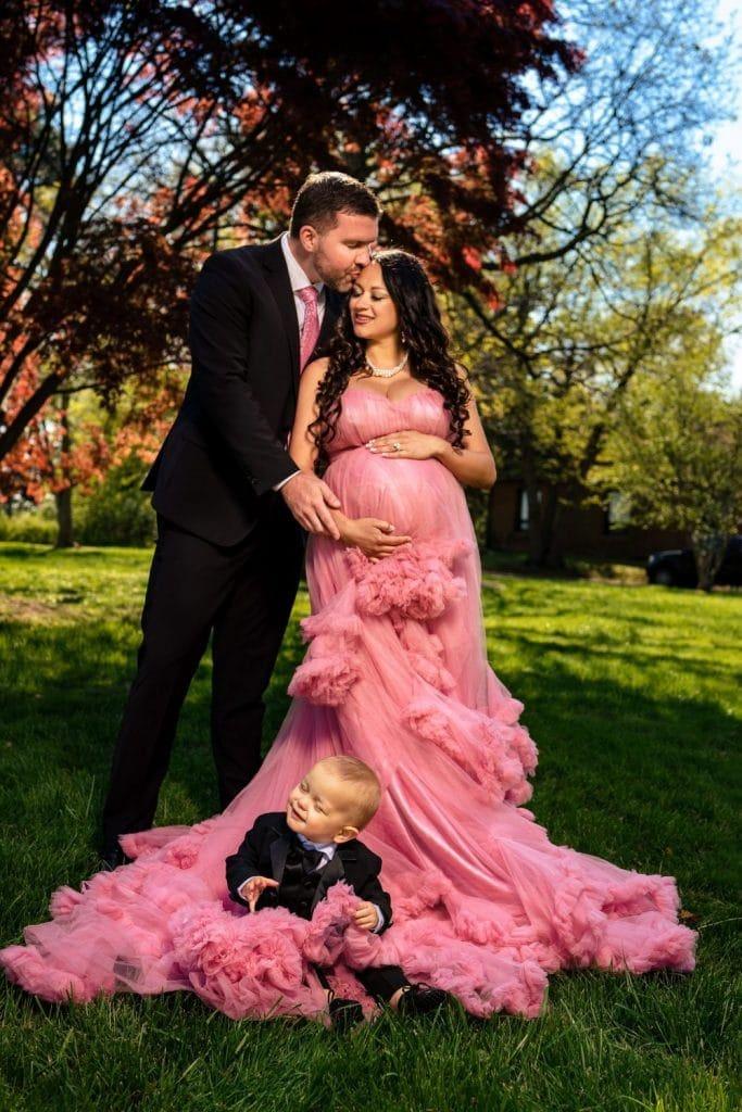 family spring maternity shoot