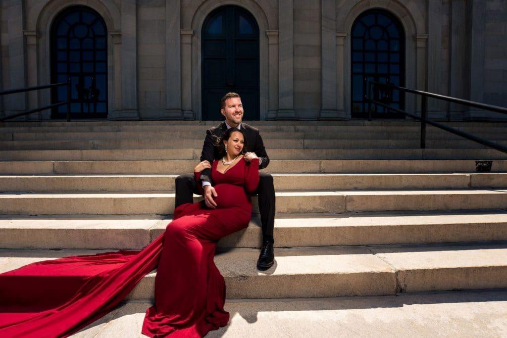 couple sitting on stairs philadelphia museum of art