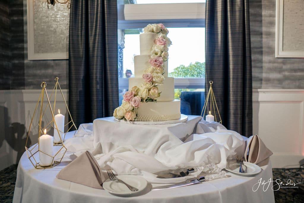 wedding cake by J&J Studios