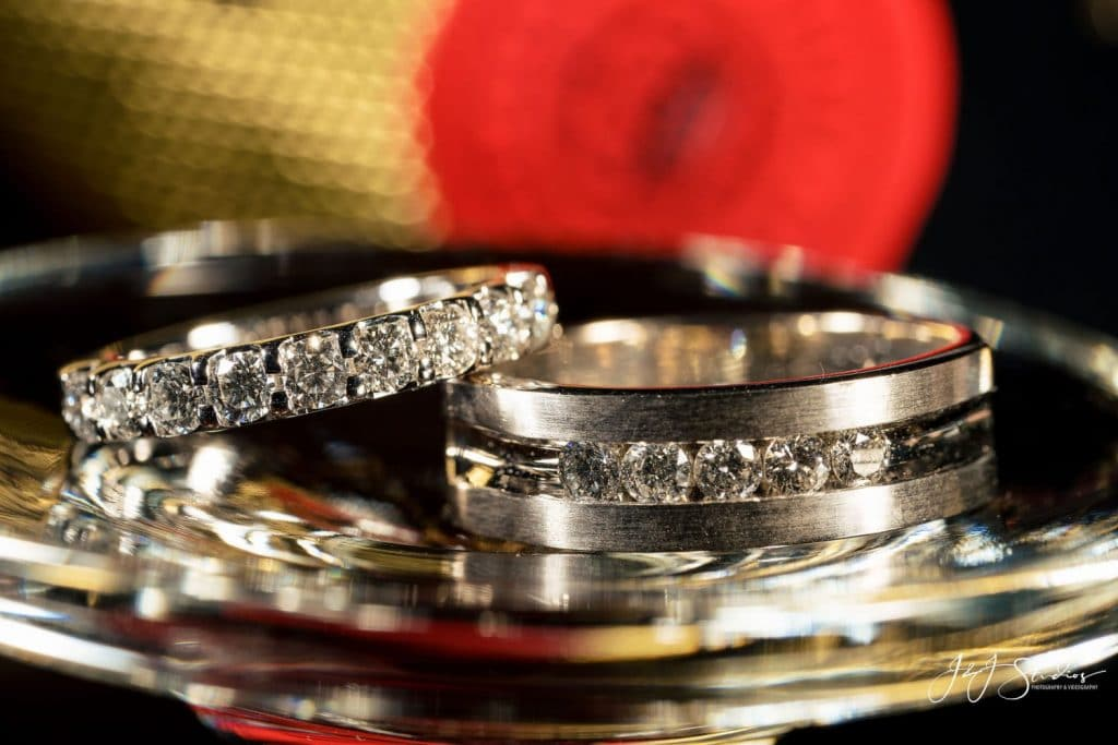 white gold wedding rings inlaid with diamonds