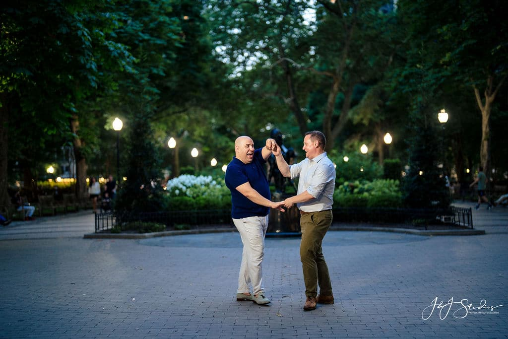 Couple dancing at Rittenhouse Square Park