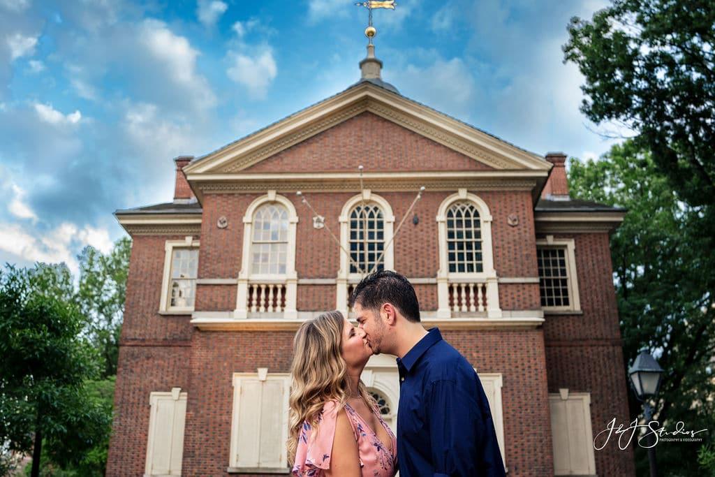 historic philadelphia engagement session independence hall