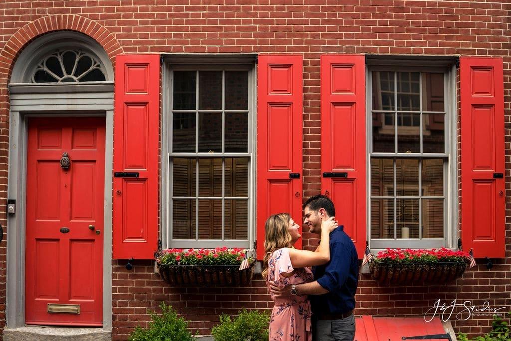 elfreth's alley engagement photo