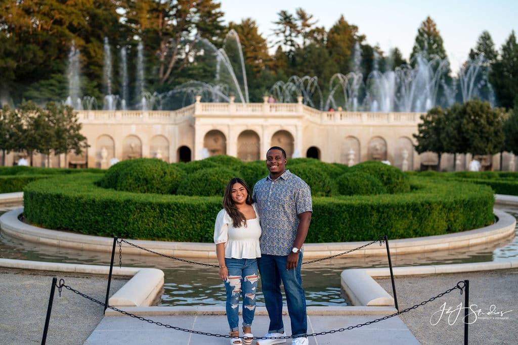 Couple at botanical garden by J&J Studios