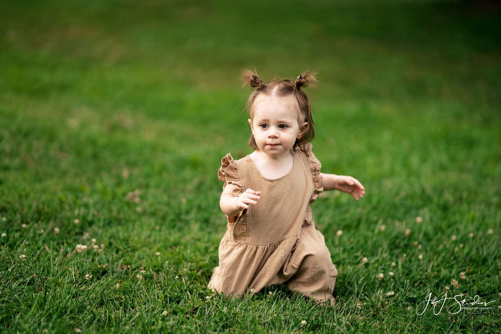 photo of little girl by J&J Studios