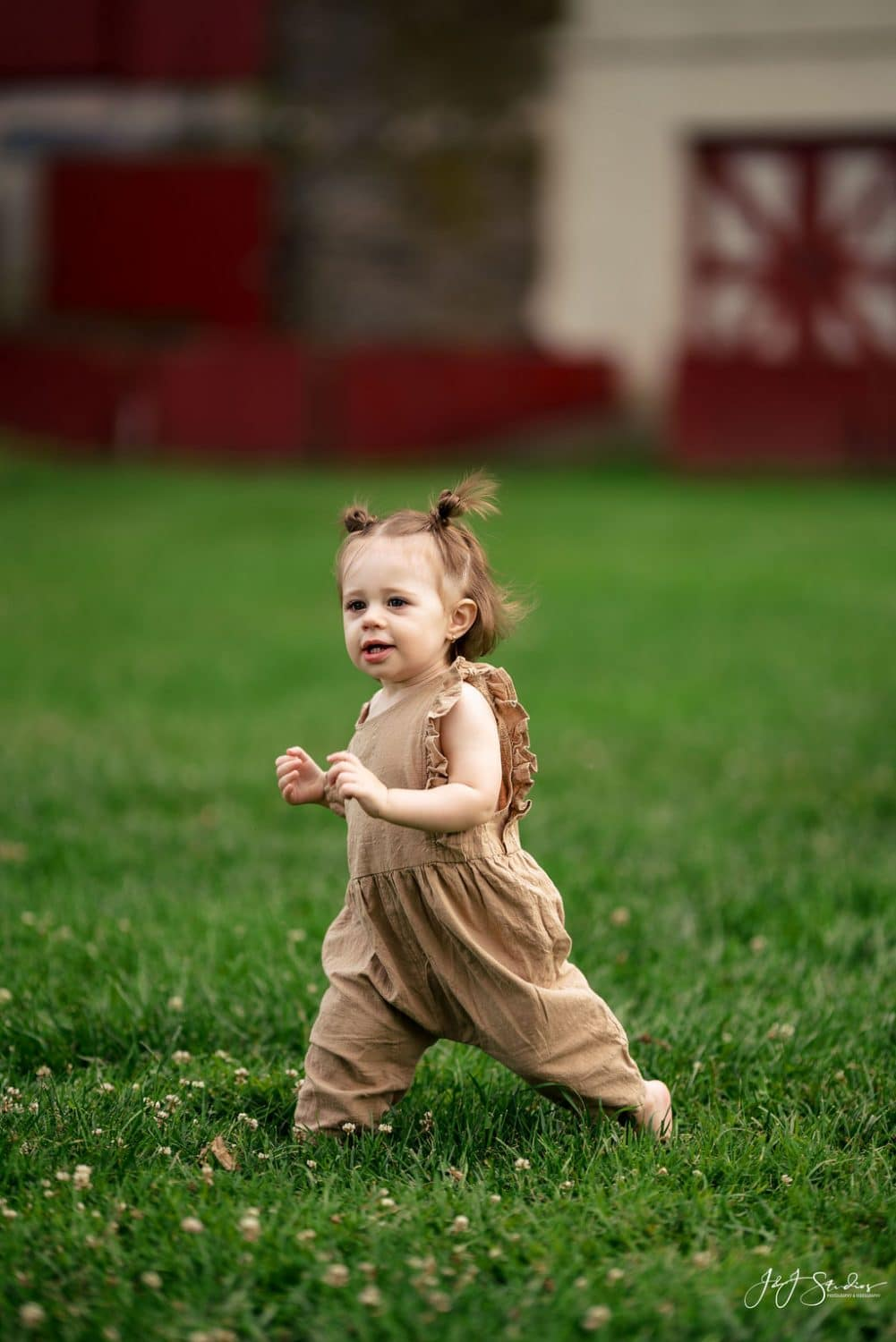 baby photography by J&J Studios