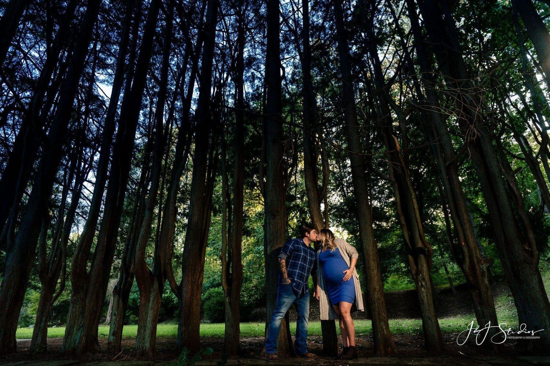 Ridley Creek Park maternity shot by John ryan