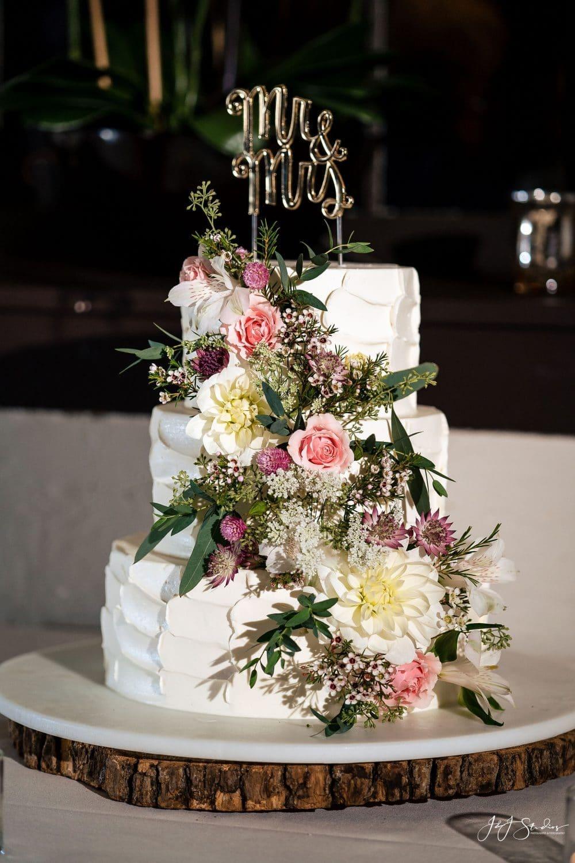 Beautiful wedding cake Shot By John Ryan